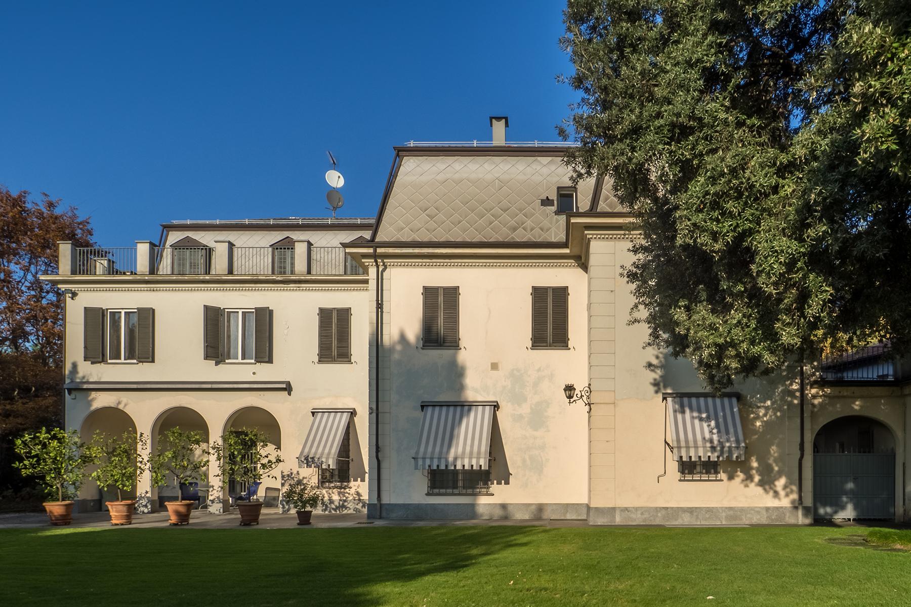 Villa in Vendita a Torino Semicentro: 5 locali, 1335 mq
