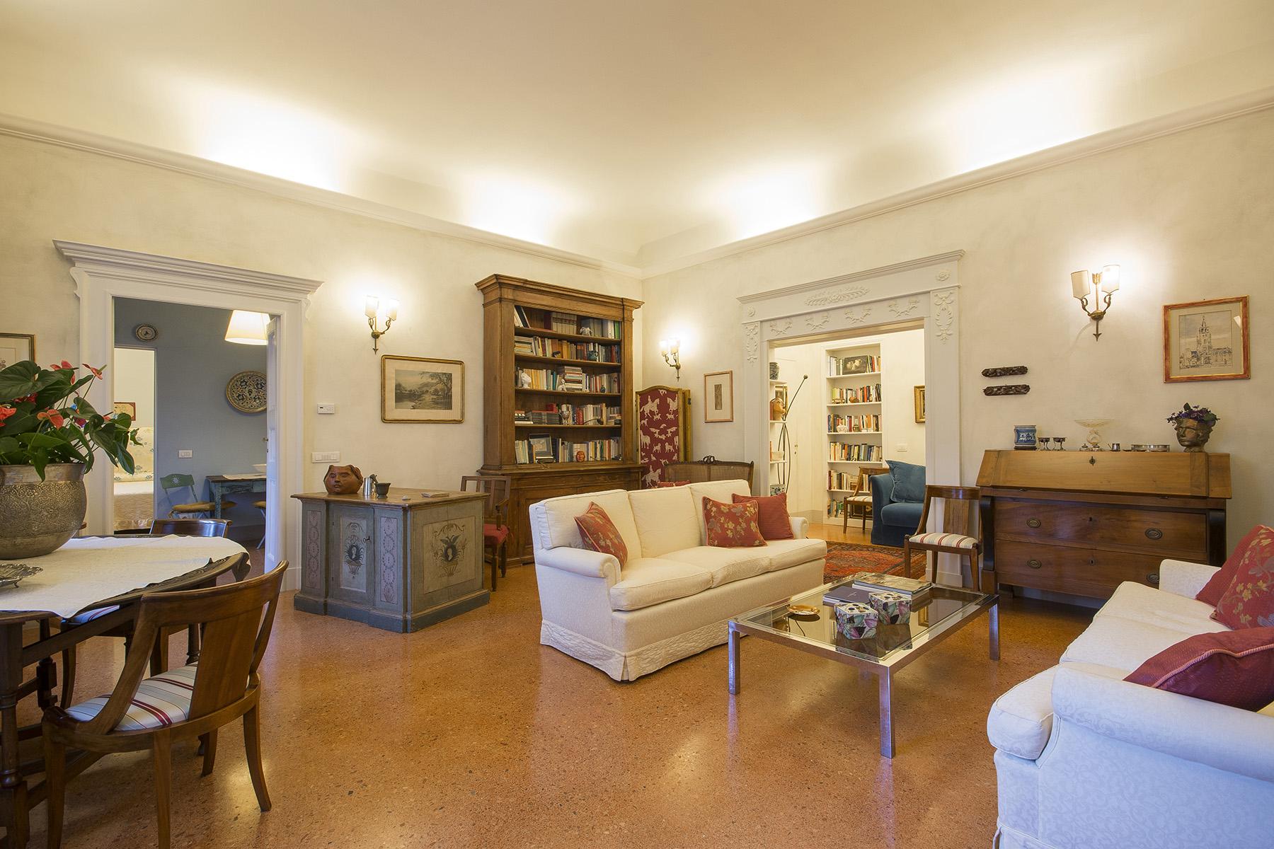 Appartamento in Vendita a Lucca: 5 locali, 86 mq - Foto 2