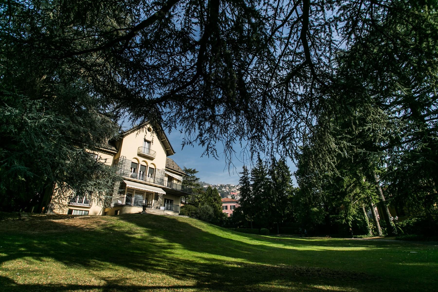 Villa in Vendita a Cernobbio: 5 locali, 800 mq - Foto 2