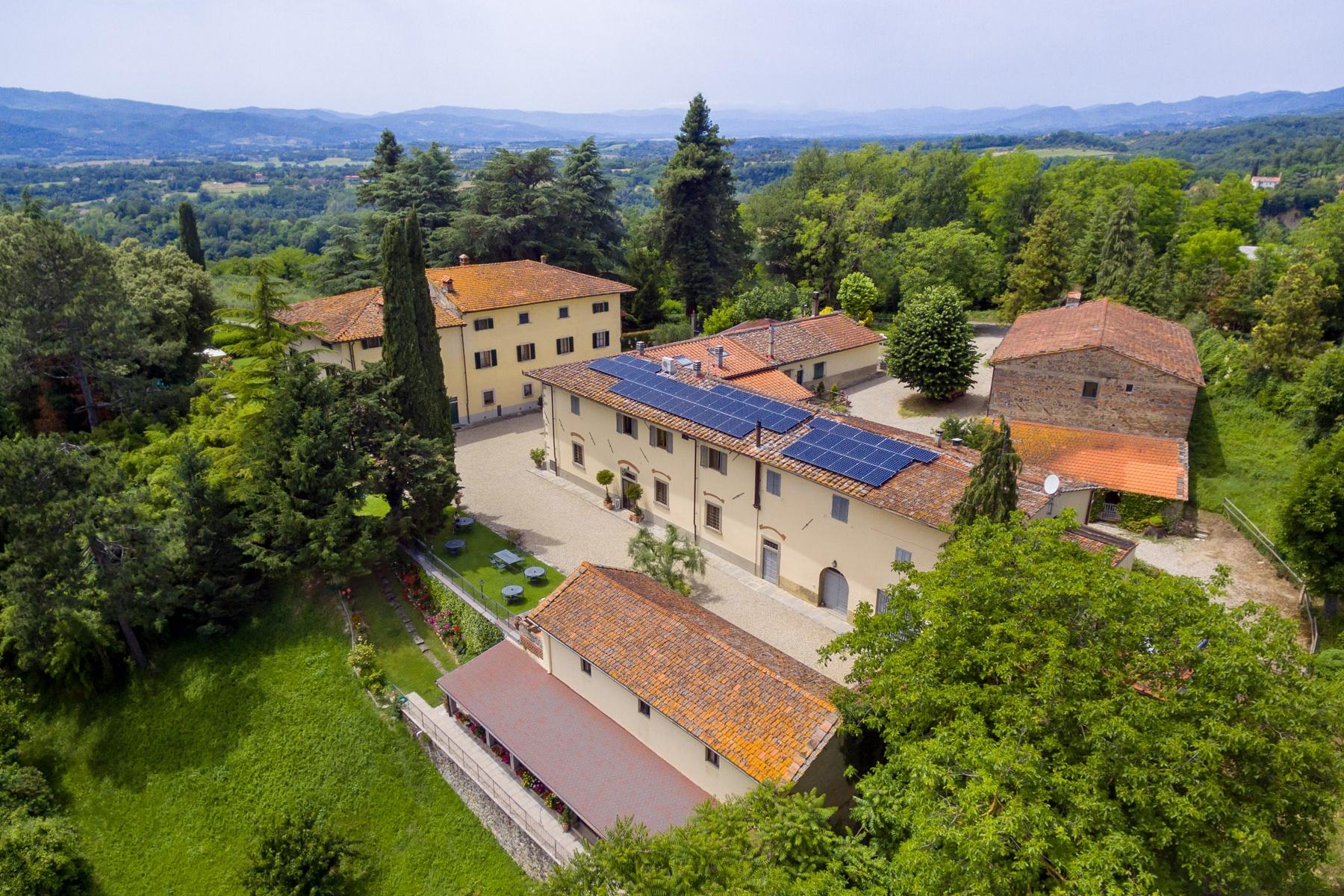 Villa in Vendita a Vicchio: 5 locali, 3000 mq