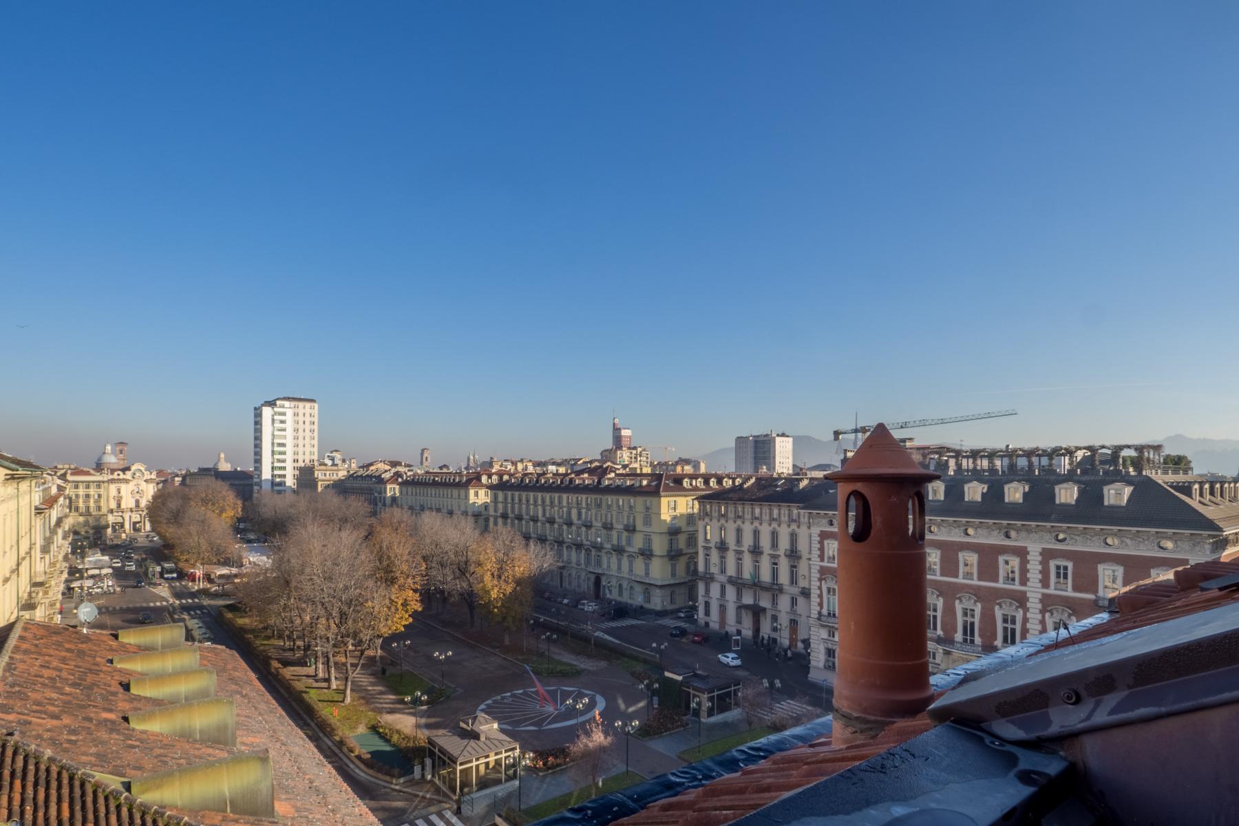 Appartamento in Vendita a Torino Centro: 2 locali, 61 mq