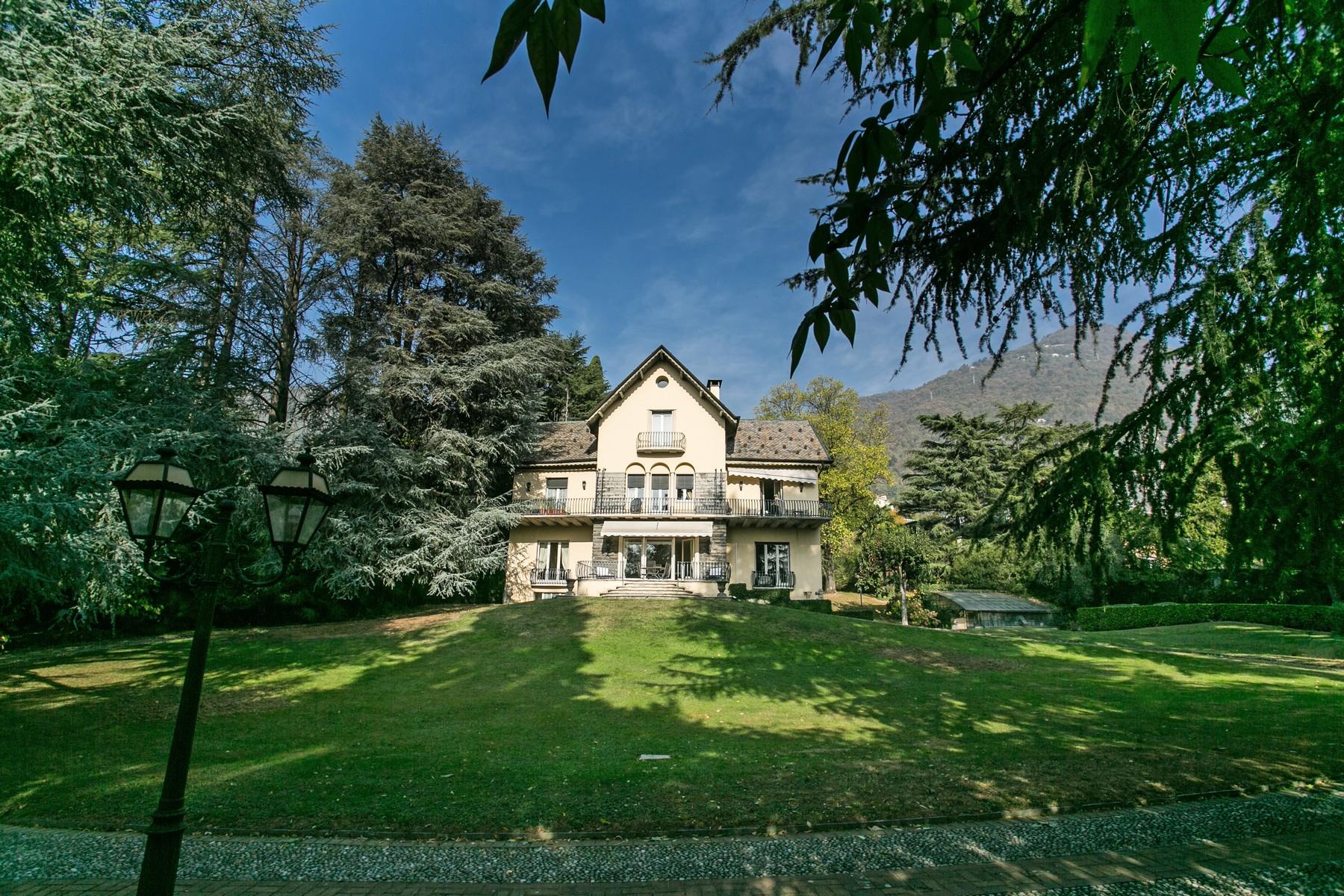 Villa in Vendita a Cernobbio via plinio