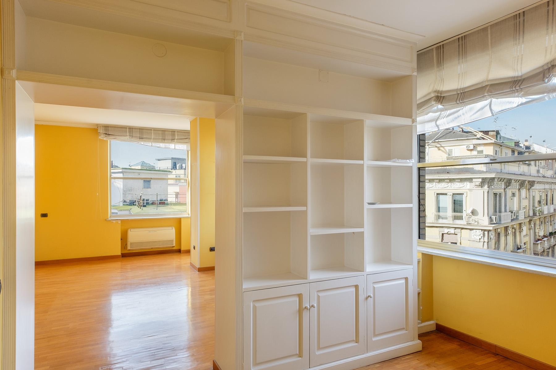 Appartamento in Vendita a Napoli: 5 locali, 240 mq - Foto 4