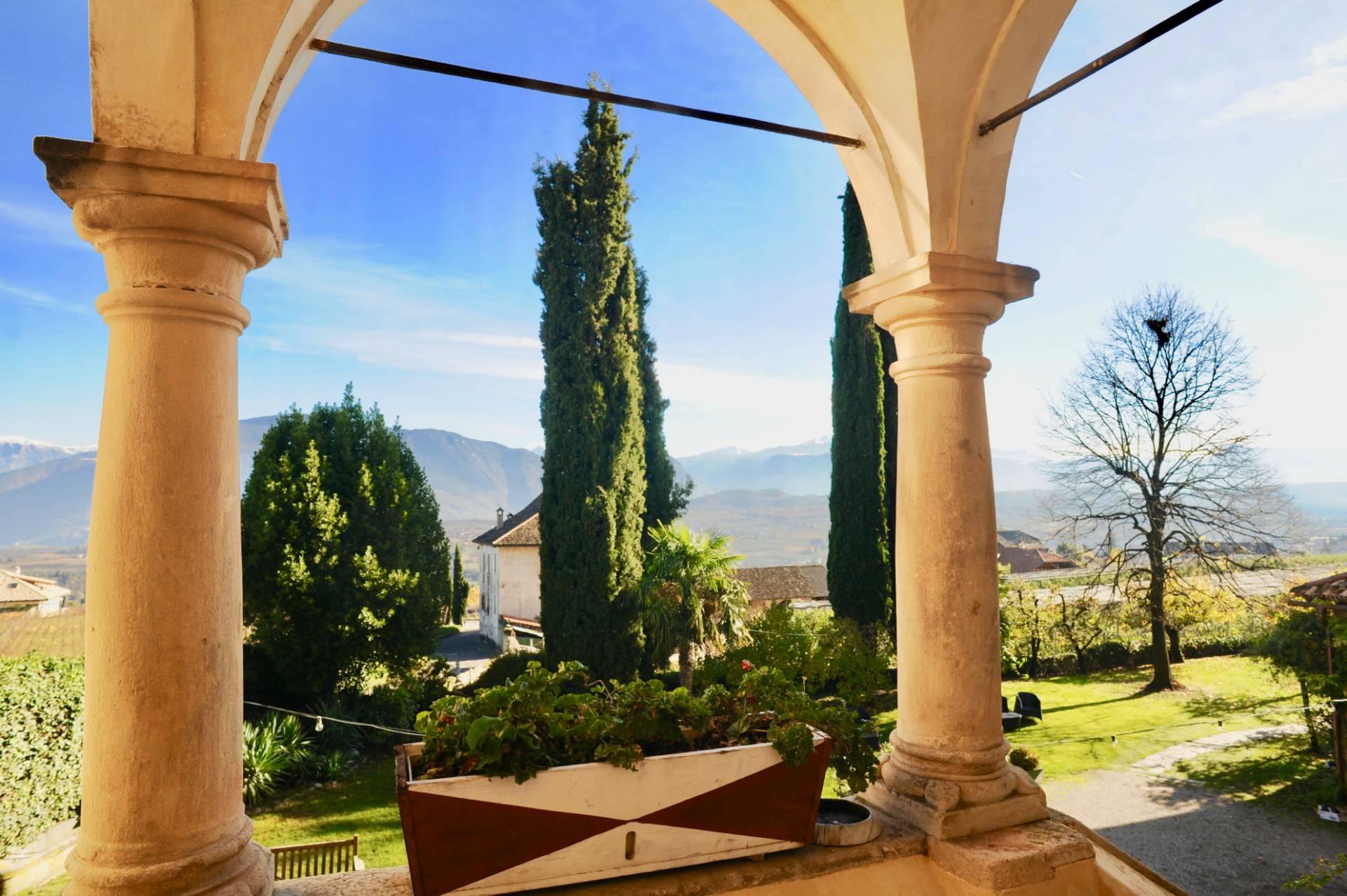Villa in Vendita a Bolzano: 5 locali, 1210 mq