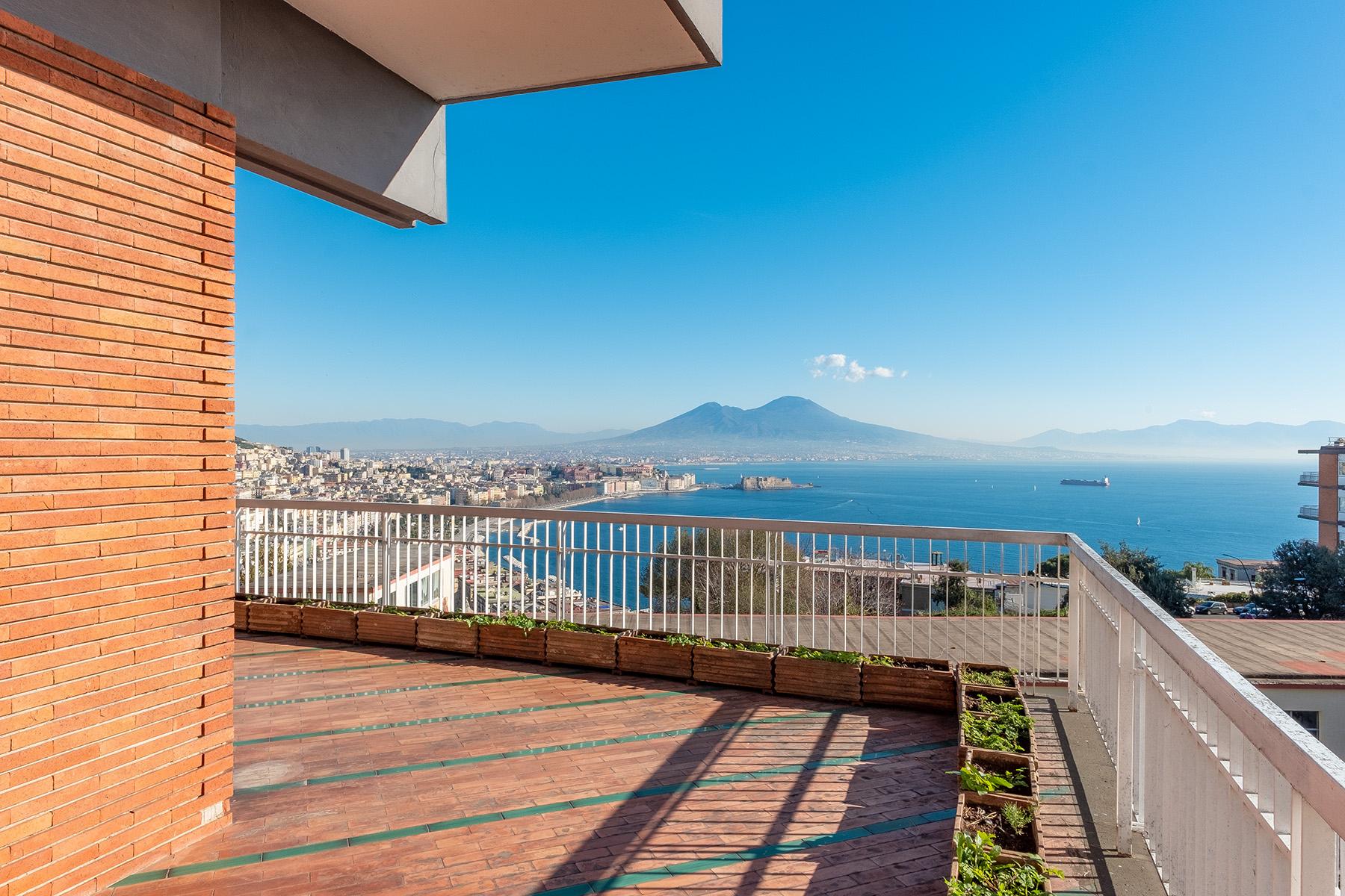 Villa in Vendita a Napoli via stazio