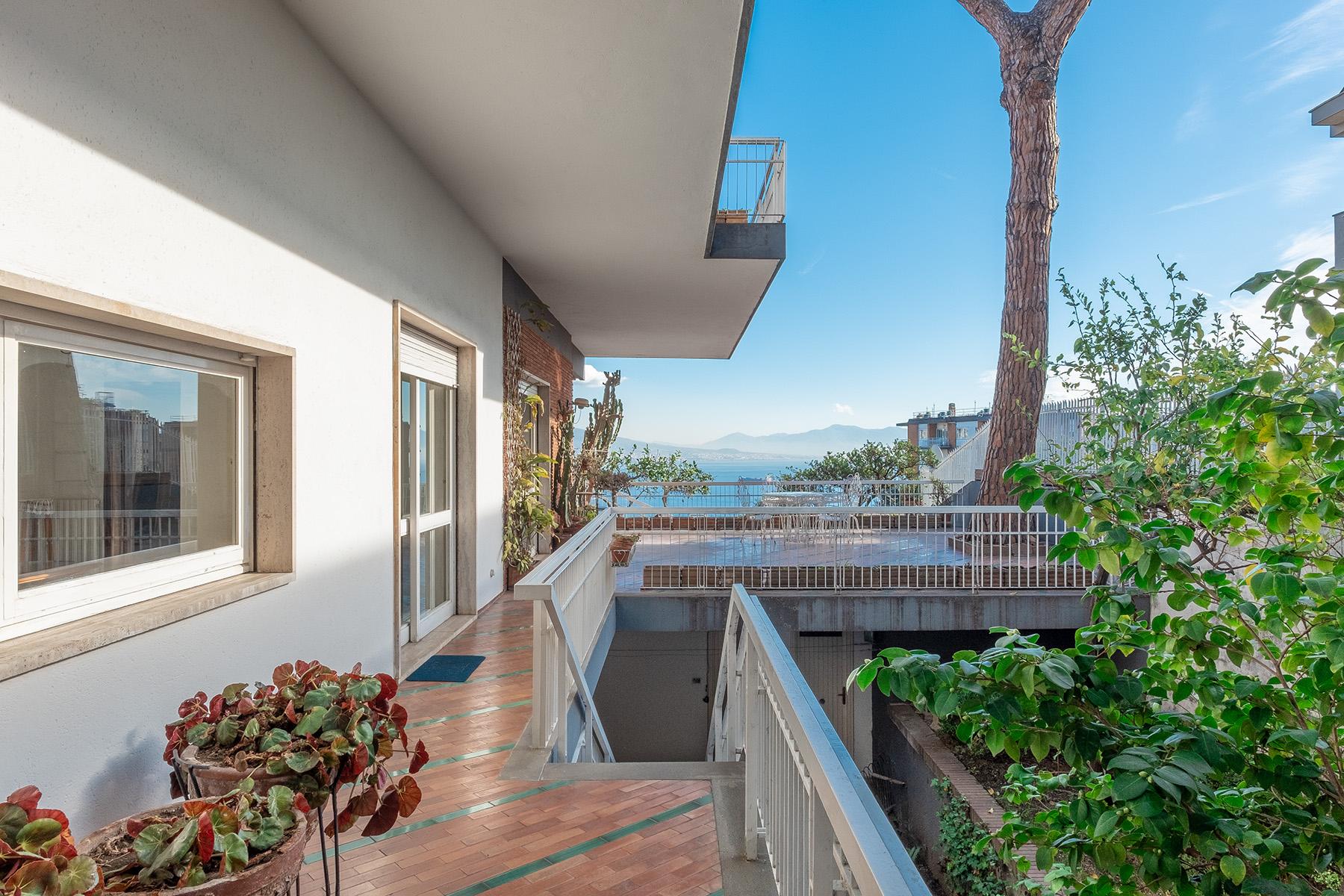 Villa in Vendita a Napoli: 5 locali, 600 mq - Foto 2