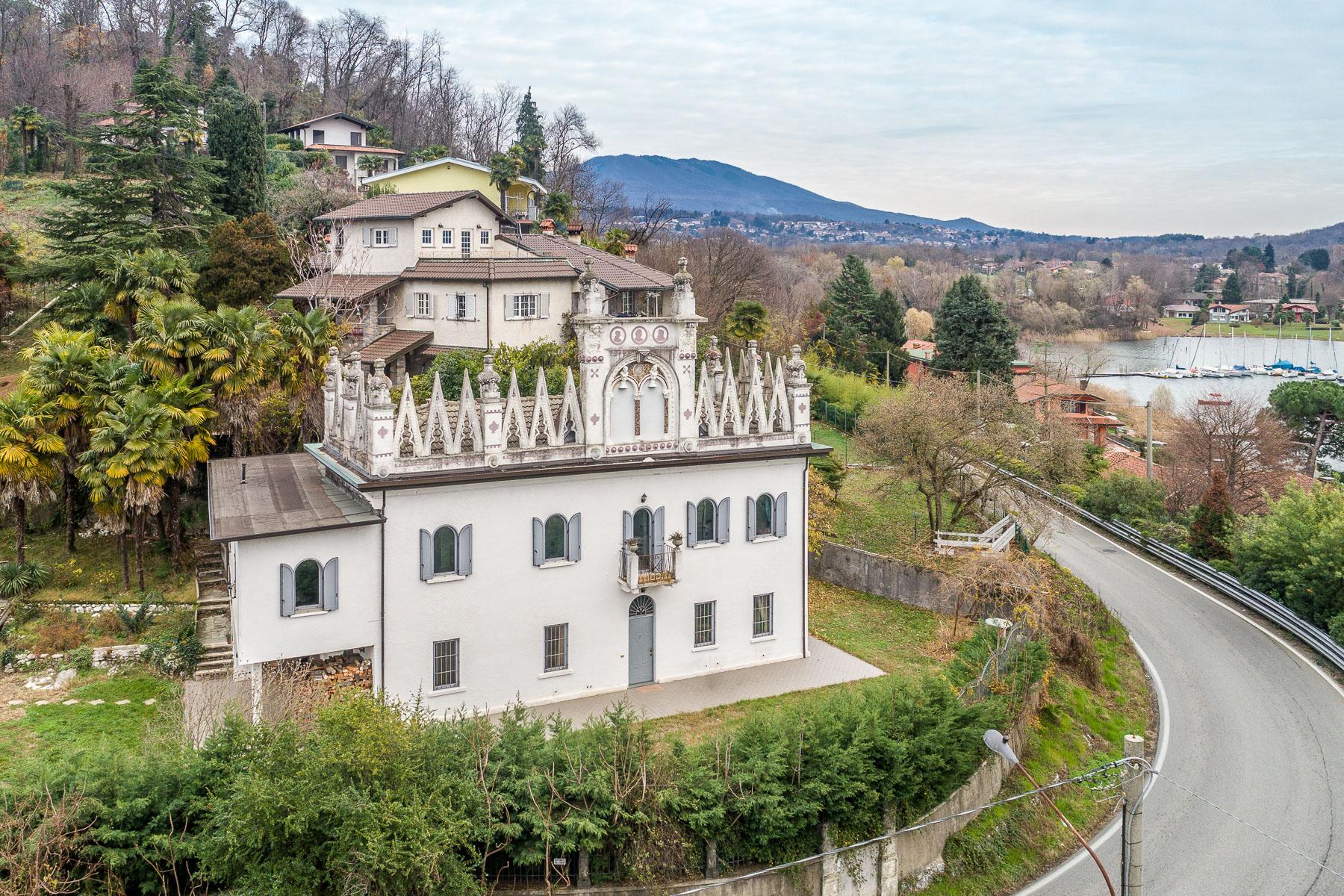 Villa in Vendita a Leggiuno: 5 locali, 350 mq - Foto 2