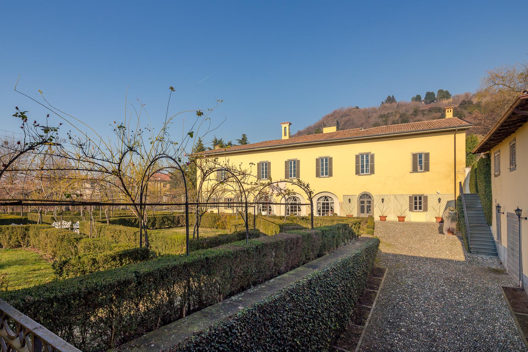 Villa in Vendita a Chiuduno: 5 locali, 1500 mq