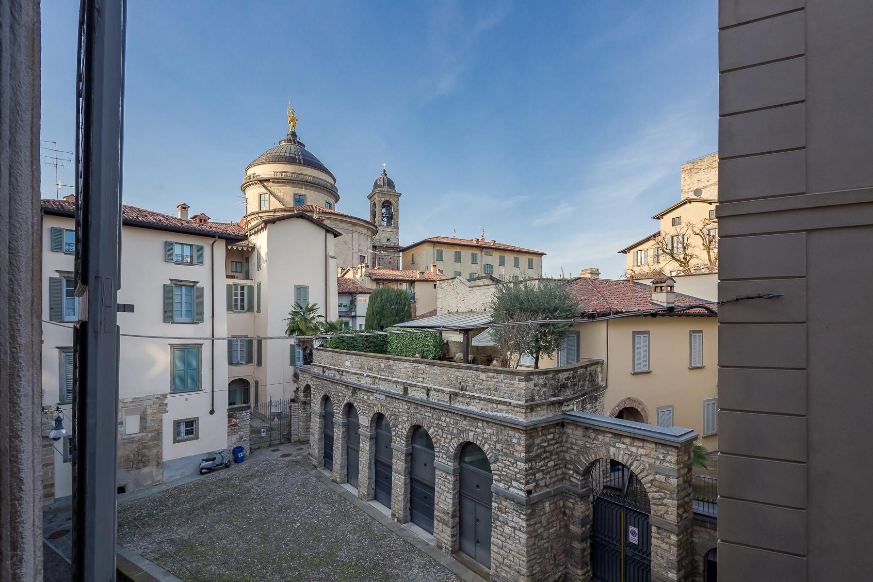 Appartamento in Vendita a Bergamo:  5 locali, 270 mq  - Foto 1