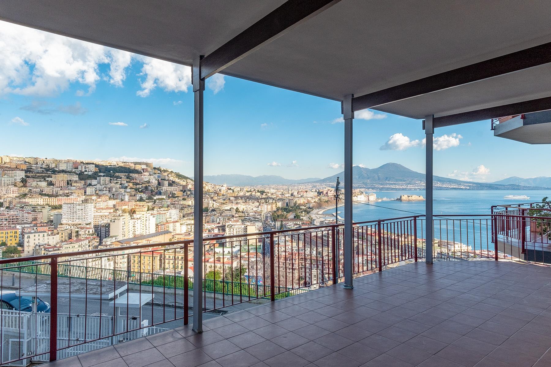 Appartamento in Affitto a Napoli via pacuvio