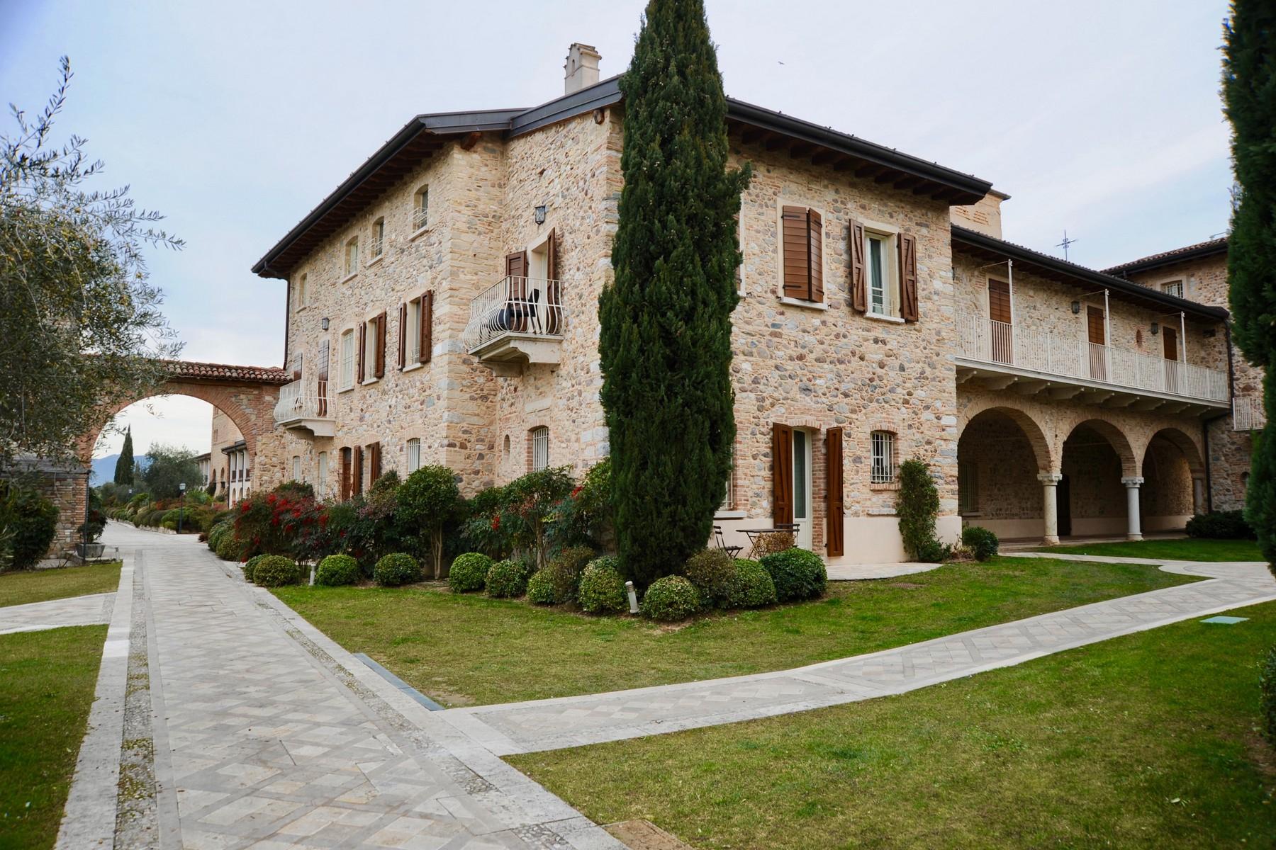 Appartamento in Vendita a Pozzolengo: 4 locali, 61 mq
