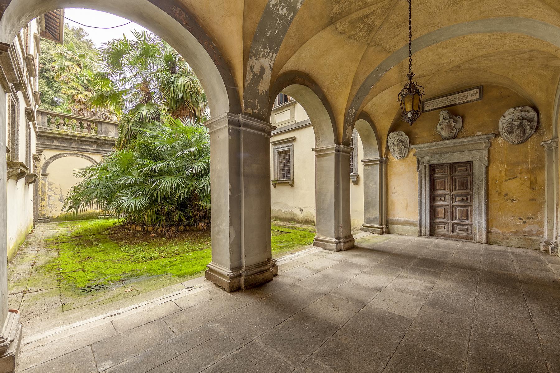 Palazzo in Vendita a Acquapendente: 5 locali, 3000 mq