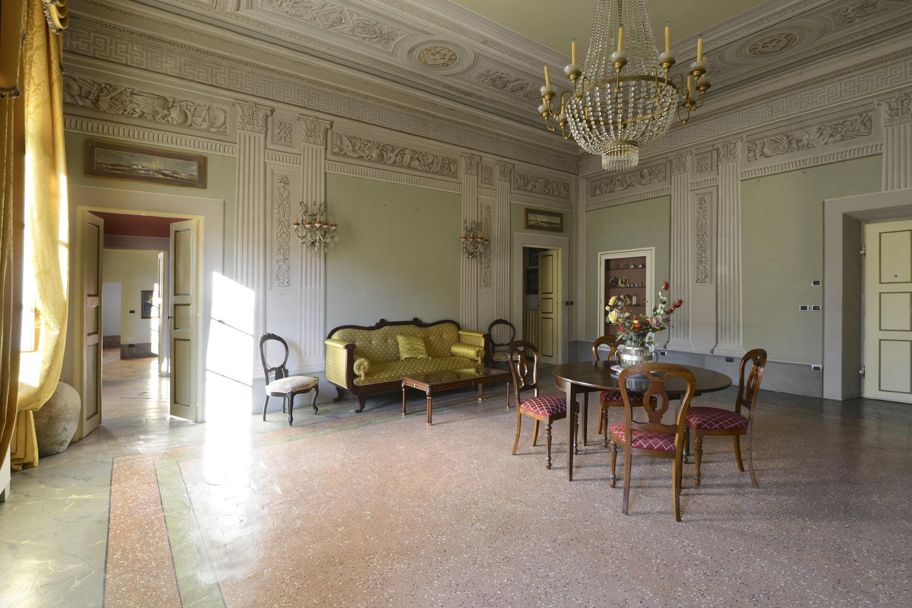 Appartamento in Vendita a Lucca: 5 locali, 230 mq - Foto 3