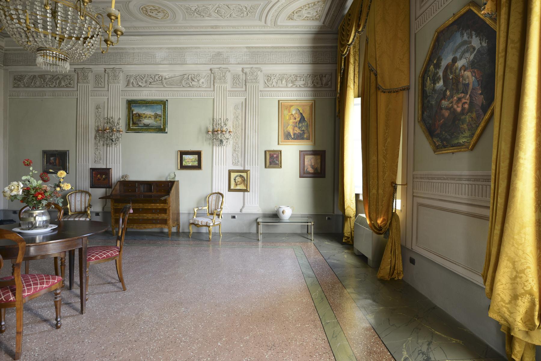 Appartamento in Vendita a Lucca: 5 locali, 230 mq - Foto 4