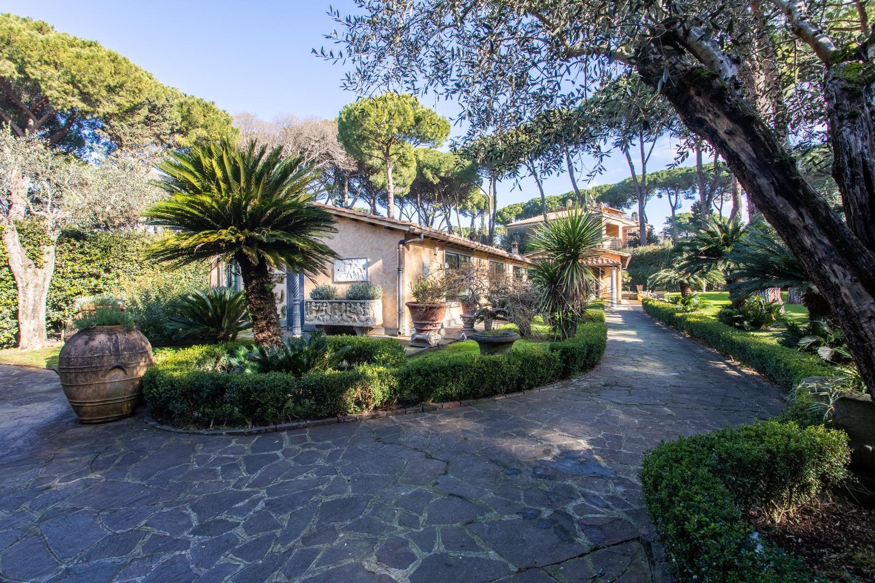 Villa in Vendita a Roma 13 Appio Latino / Appia Antica: 5 locali, 380 mq