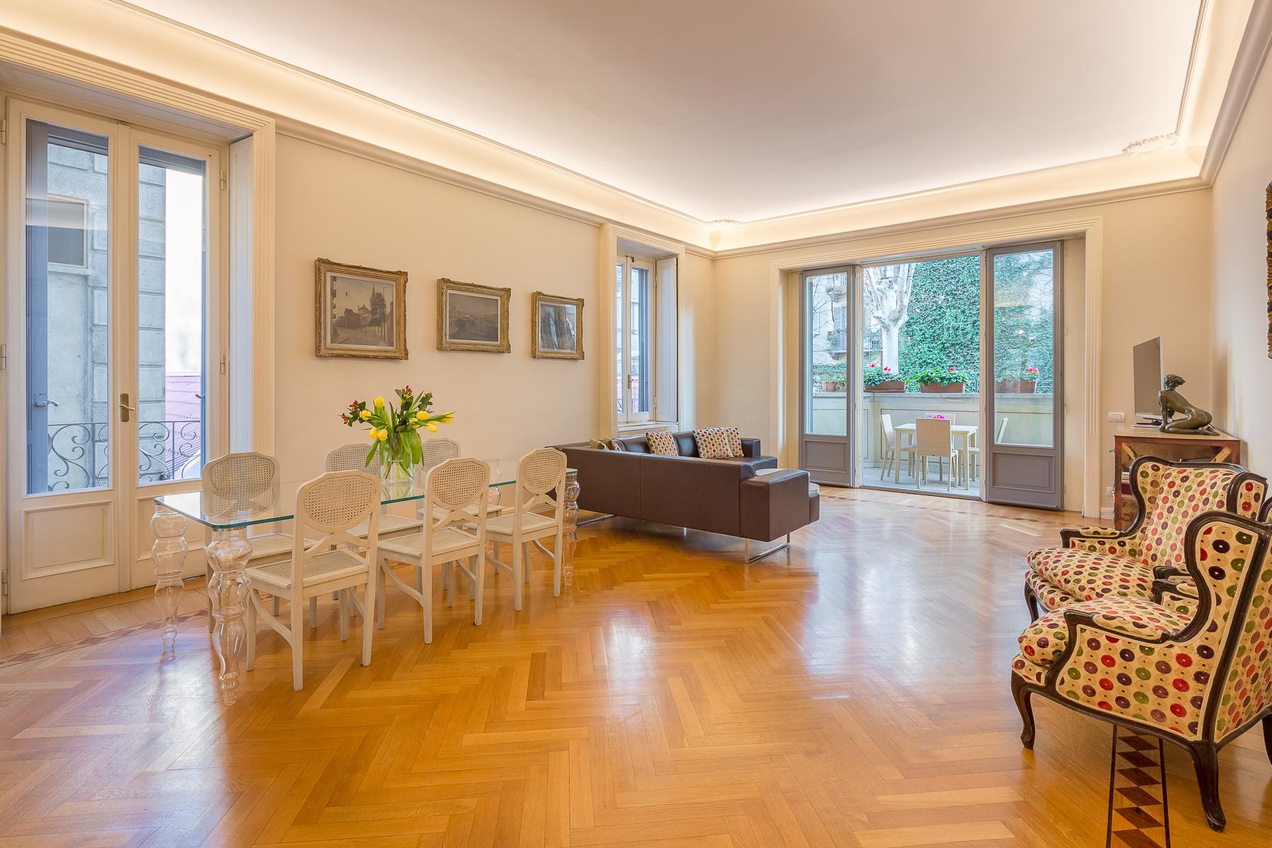 Appartamento in Vendita a Milano via giovanni gherardini