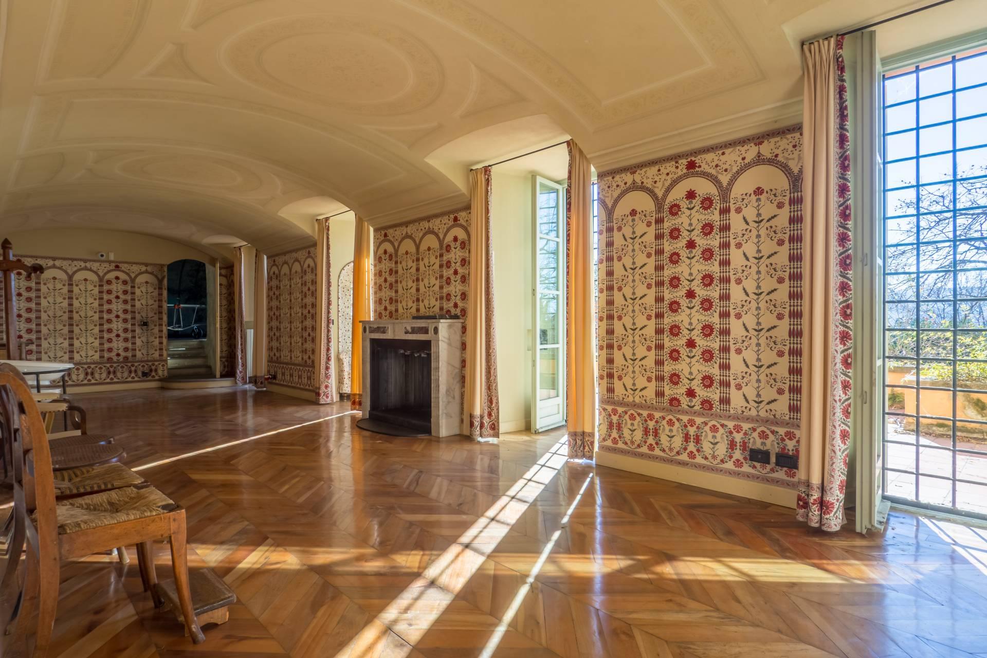 Villa in Affitto a Torino: 5 locali, 1047 mq - Foto 3