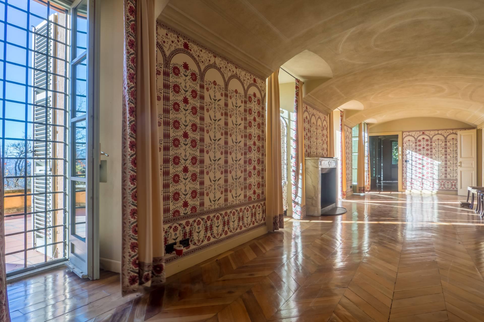 Villa in Affitto a Torino: 5 locali, 1047 mq - Foto 2
