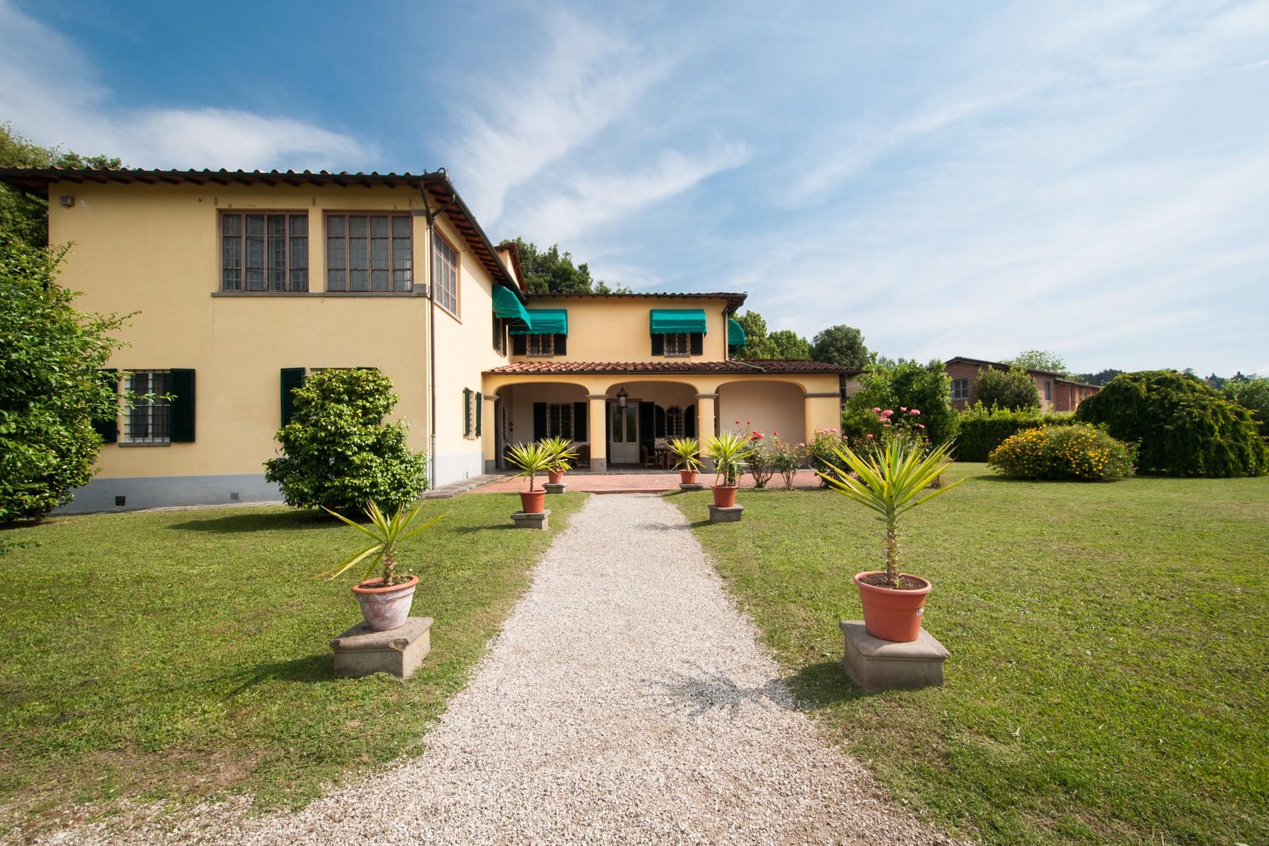 Villa in Vendita a Lucca: 5 locali, 400 mq - Foto 2