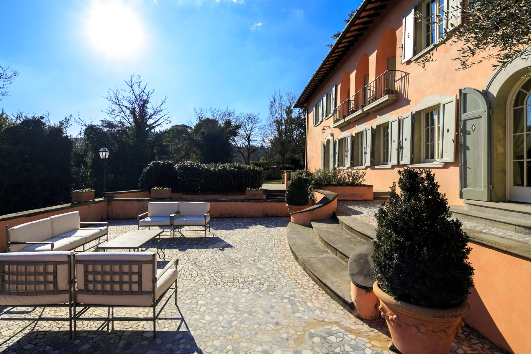 Villa in Vendita a Firenze Semicentro Ovest: 5 locali, 550 mq