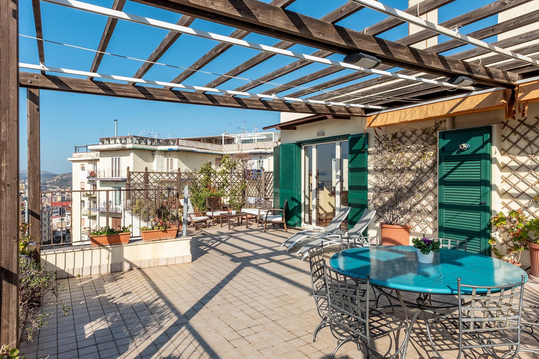 Appartamento in Vendita a Napoli: 5 locali, 220 mq - Foto 5