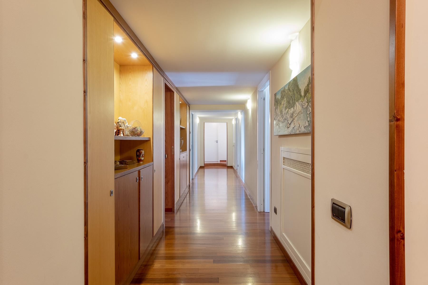 Appartamento in Vendita a Napoli: 5 locali, 220 mq - Foto 16