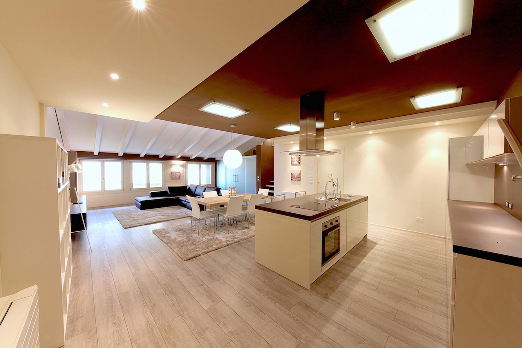 Appartamento in Vendita a Desenzano Del Garda:  4 locali, 115 mq  - Foto 1