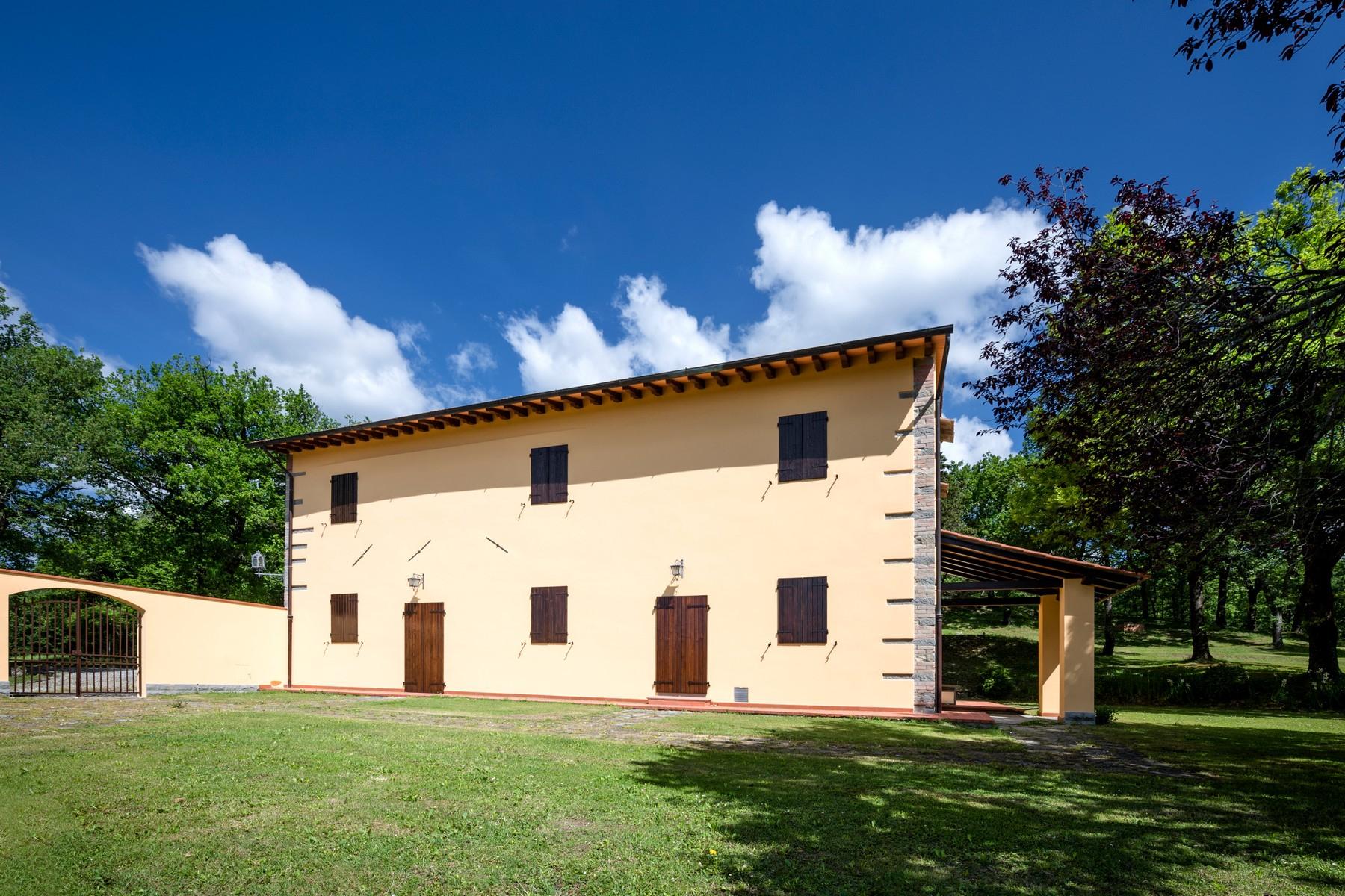 Villa in Vendita a Scarperia: 5 locali, 550 mq