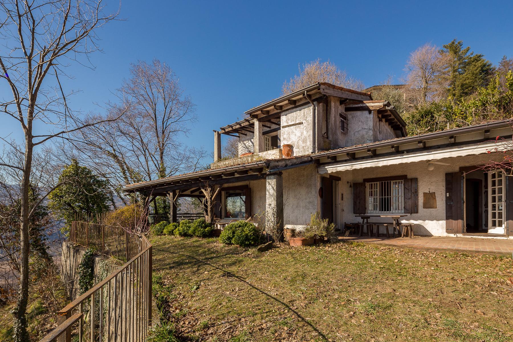 Villa in Vendita a Monte Marenzo: 5 locali, 350 mq