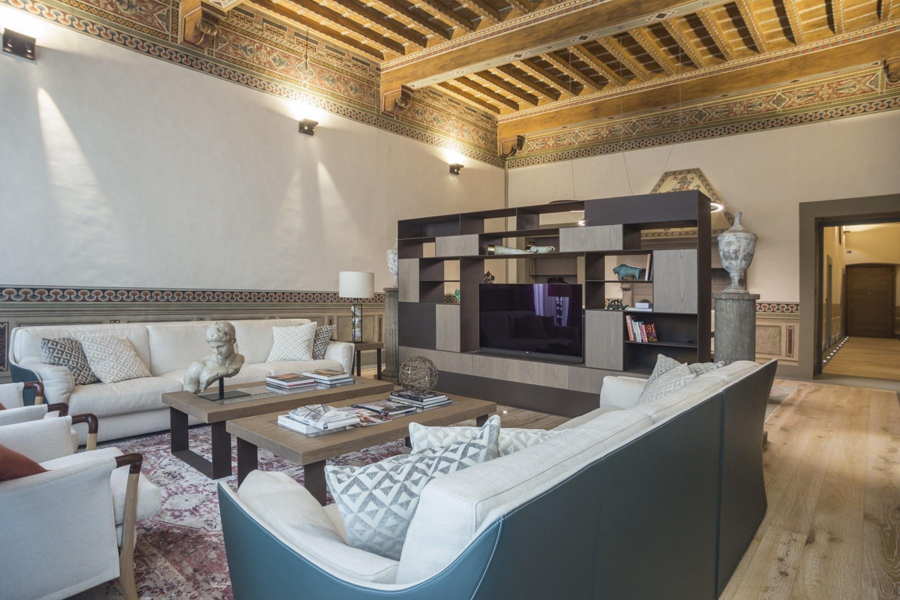 Appartamento in Vendita a Firenze: 5 locali, 320 mq - Foto 2