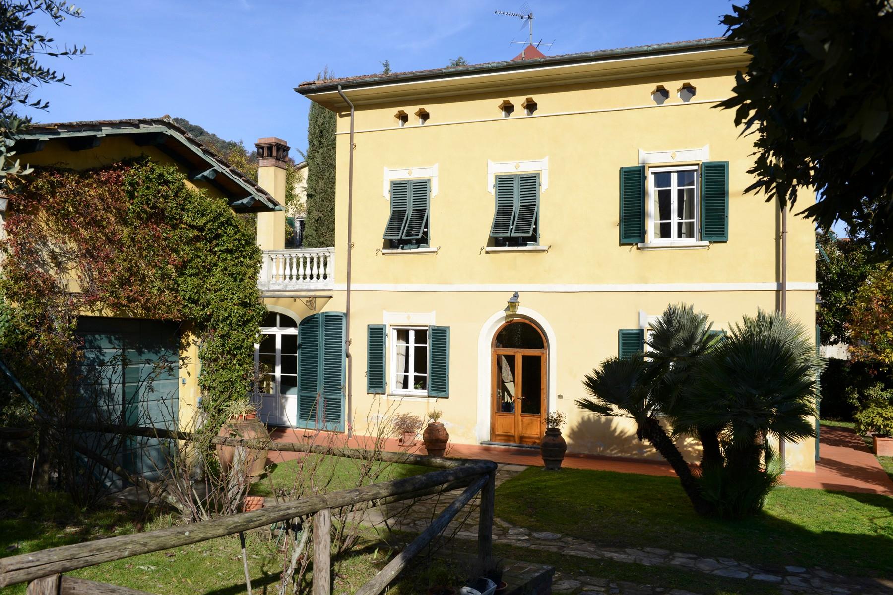 Villa in Vendita a Capannori colle di compito
