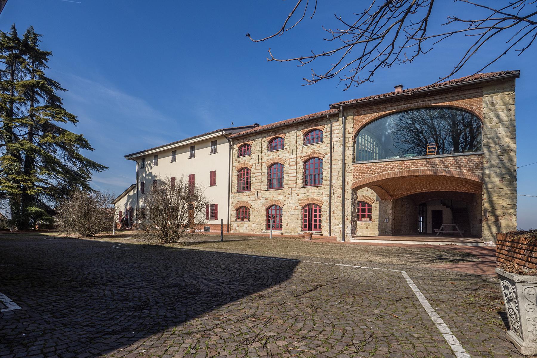 Rustico in Vendita a Vignale Monferrato: 5 locali, 1400 mq