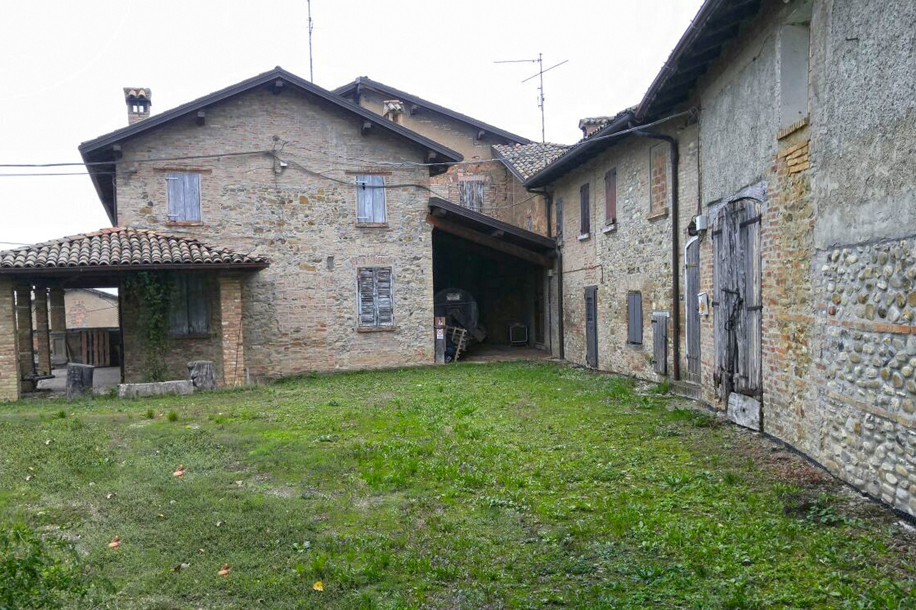 Rustico in Vendita a Castelvetro Di Modena: 5 locali, 3100 mq - Foto 6