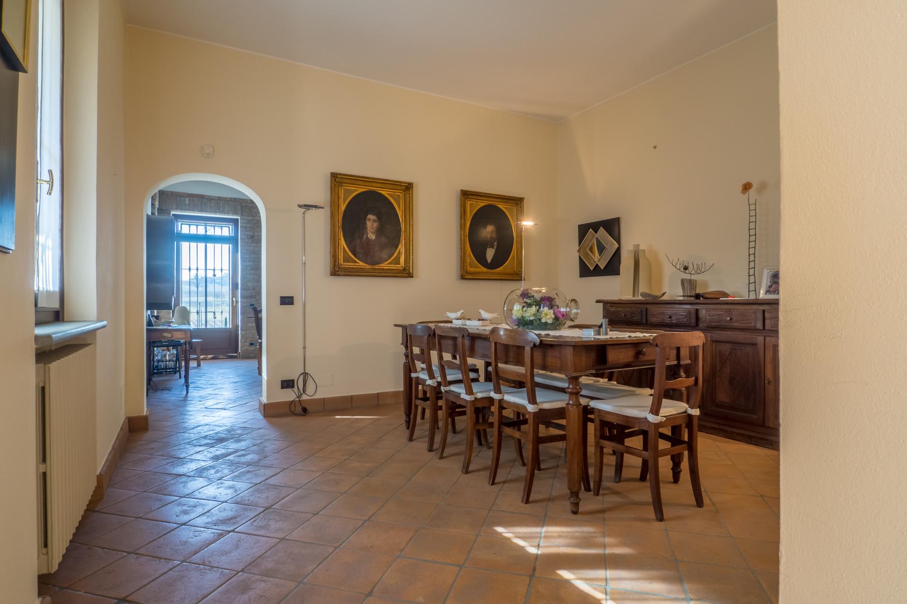 Villa in Vendita a Nizza Monferrato: 5 locali, 400 mq - Foto 2