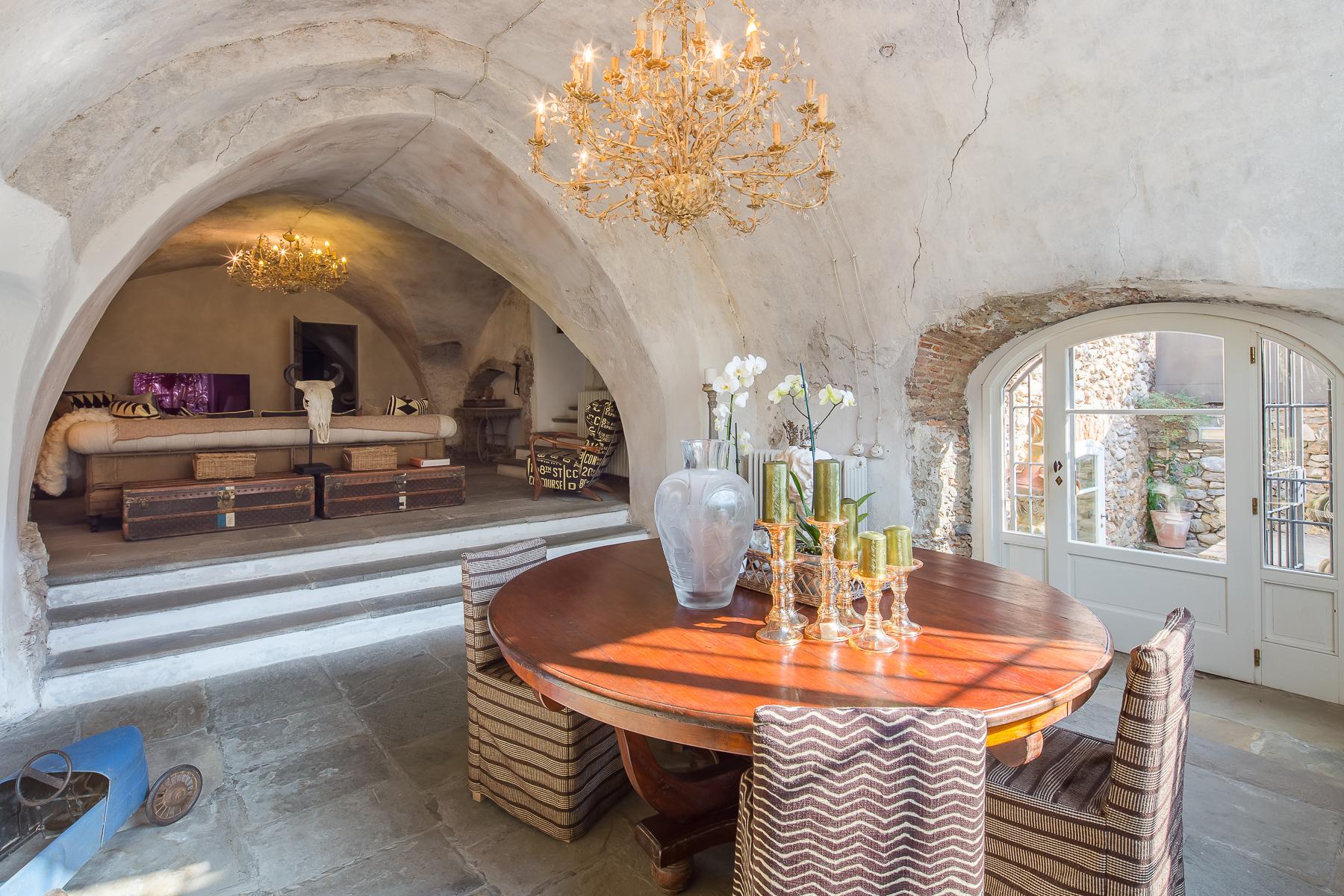 Villa in Vendita a Alassio: 5 locali, 450 mq