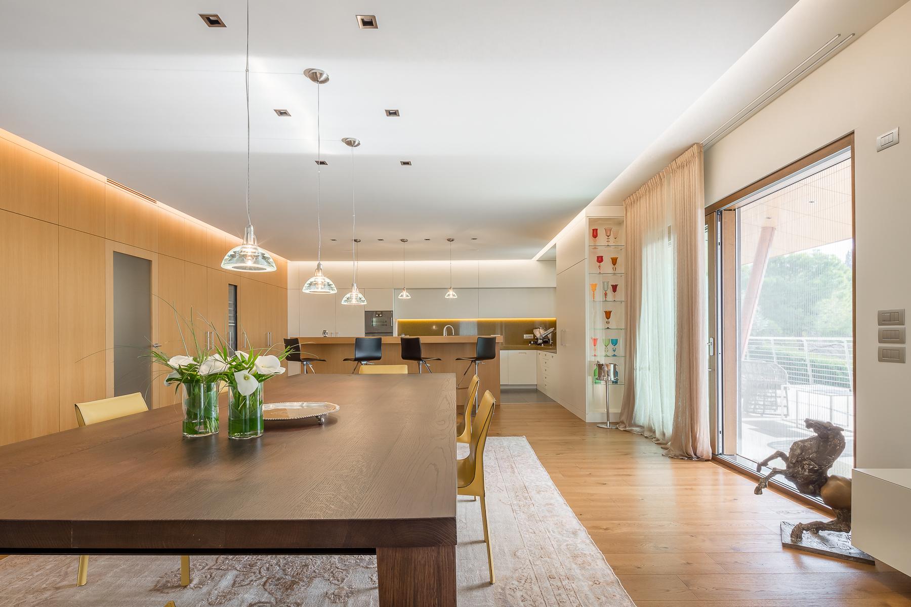 Villa in Vendita a Verona: 5 locali, 630 mq
