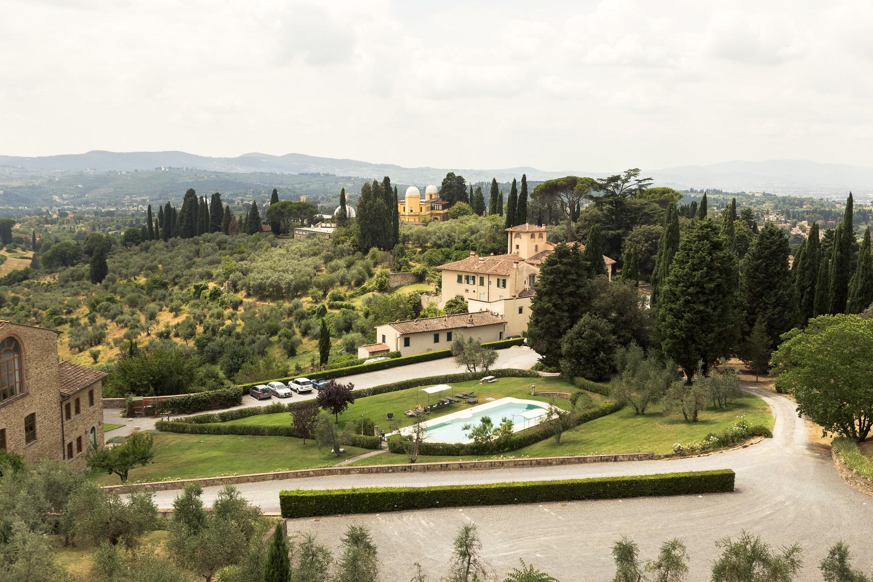 Attico in Vendita a Firenze Semicentro Ovest: 5 locali, 270 mq