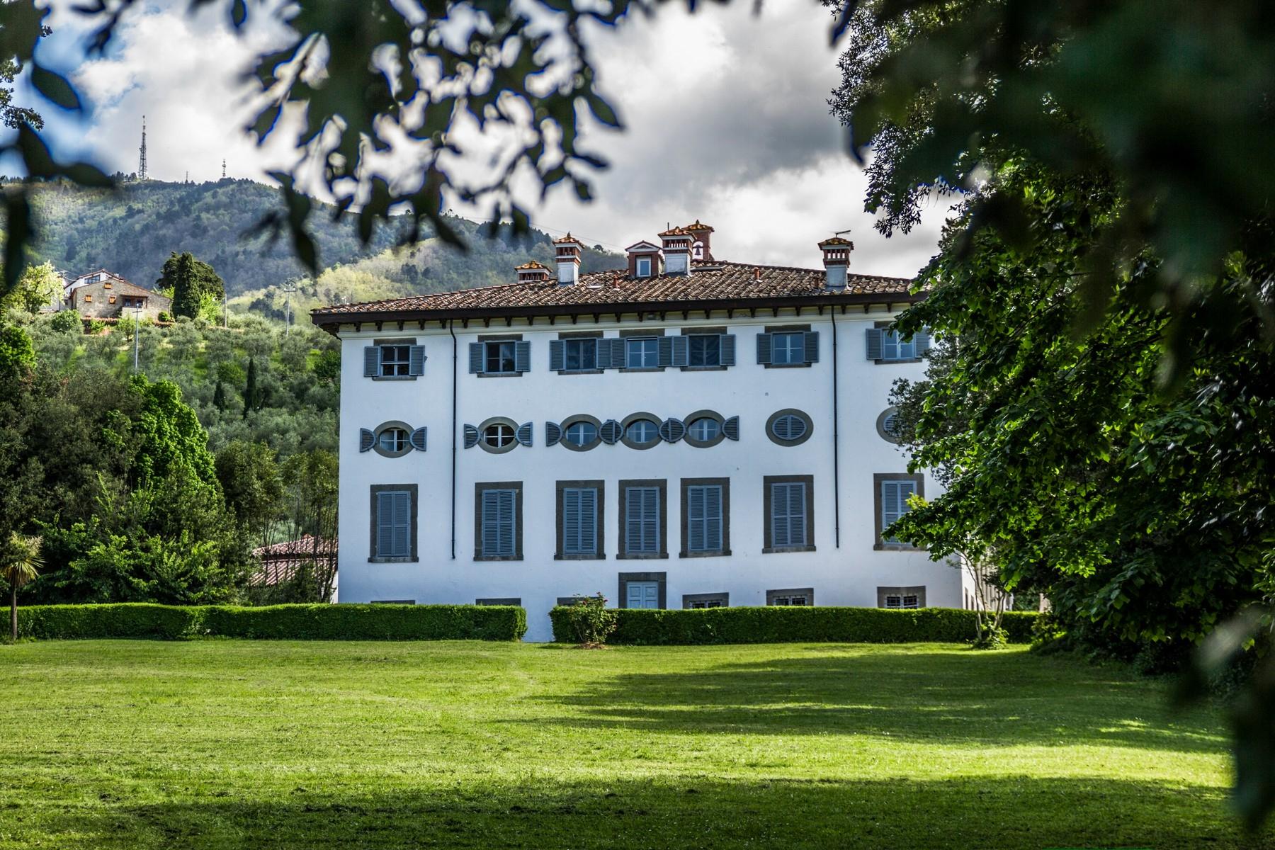 Appartamento in Vendita a Capannori: 5 locali, 167 mq