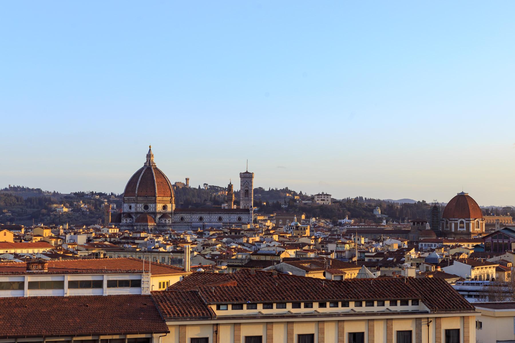 Attico in Vendita a Firenze: 5 locali, 250 mq
