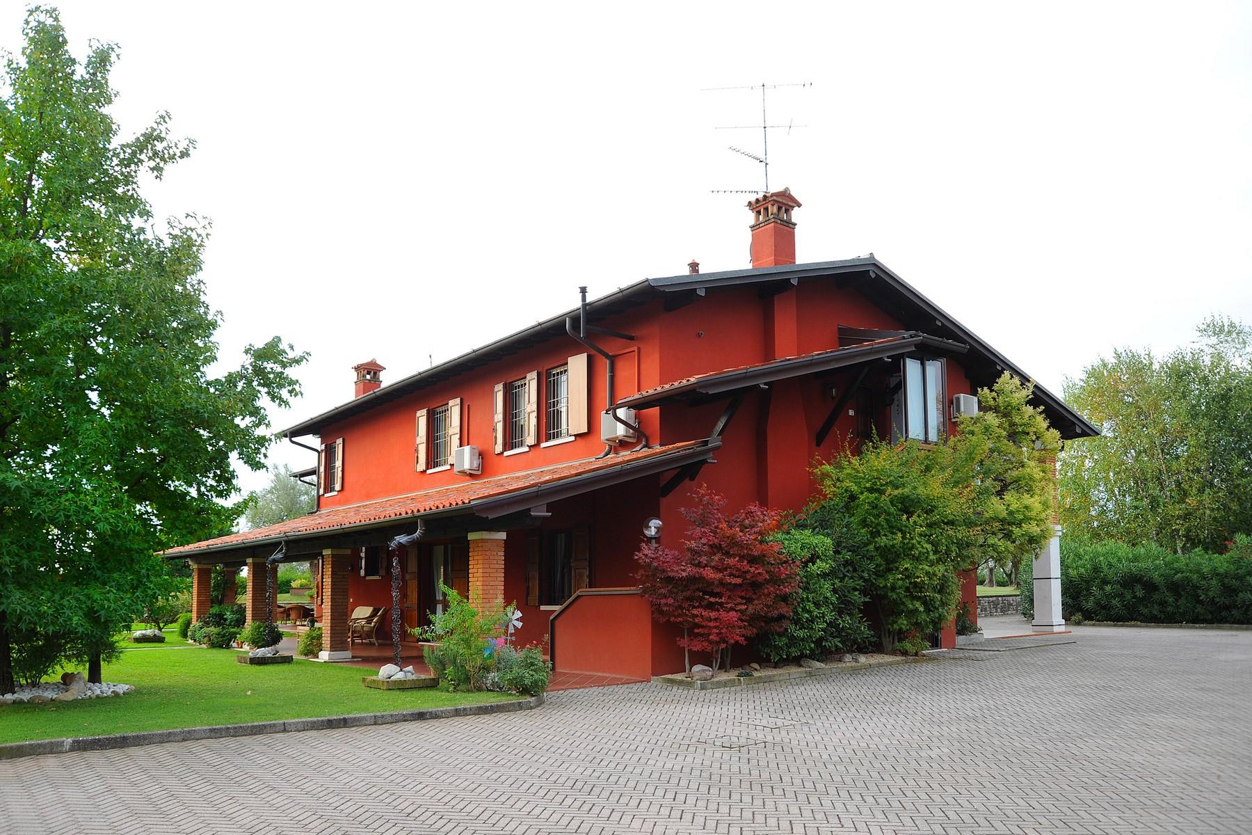 Villa in Vendita a Moniga Del Garda: 5 locali, 440 mq