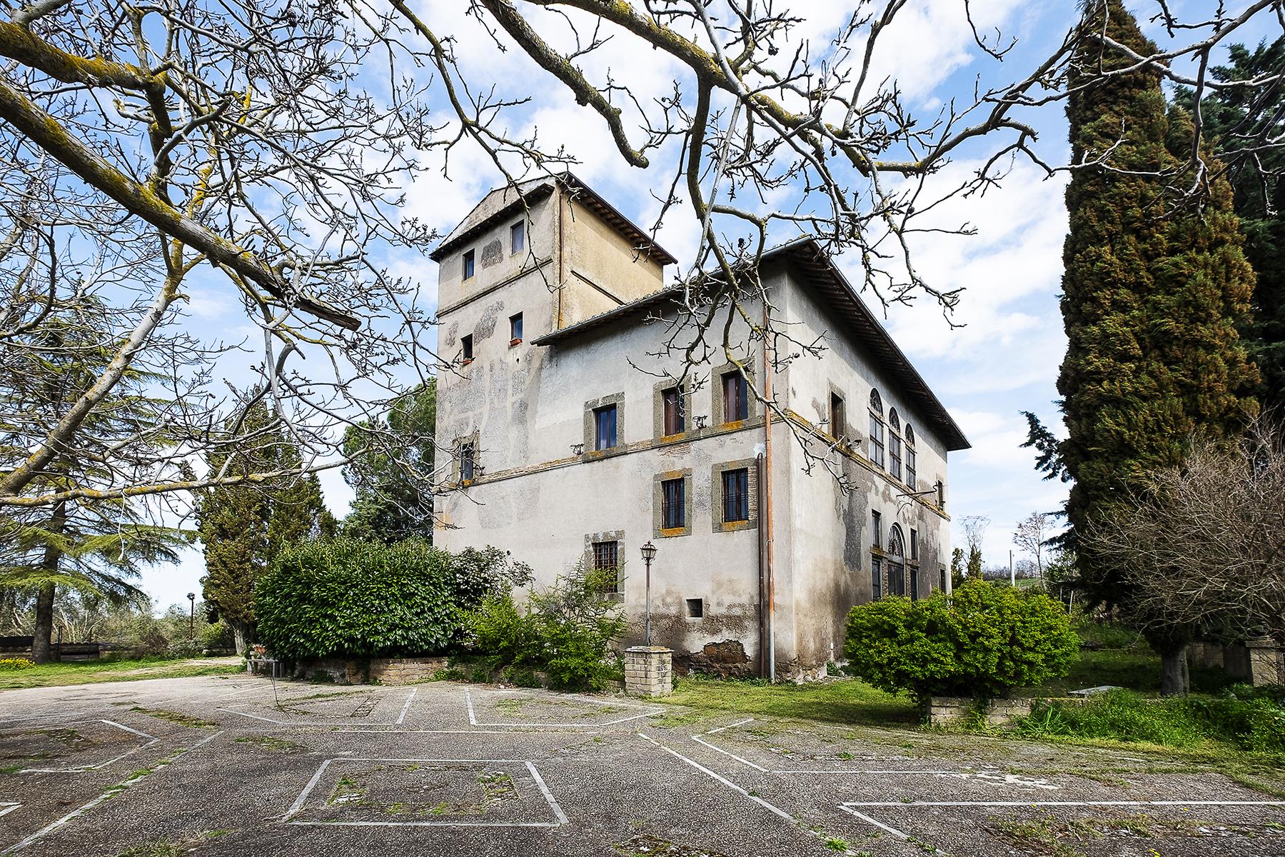 Palazzo in Vendita a Faleria: 5 locali, 500 mq