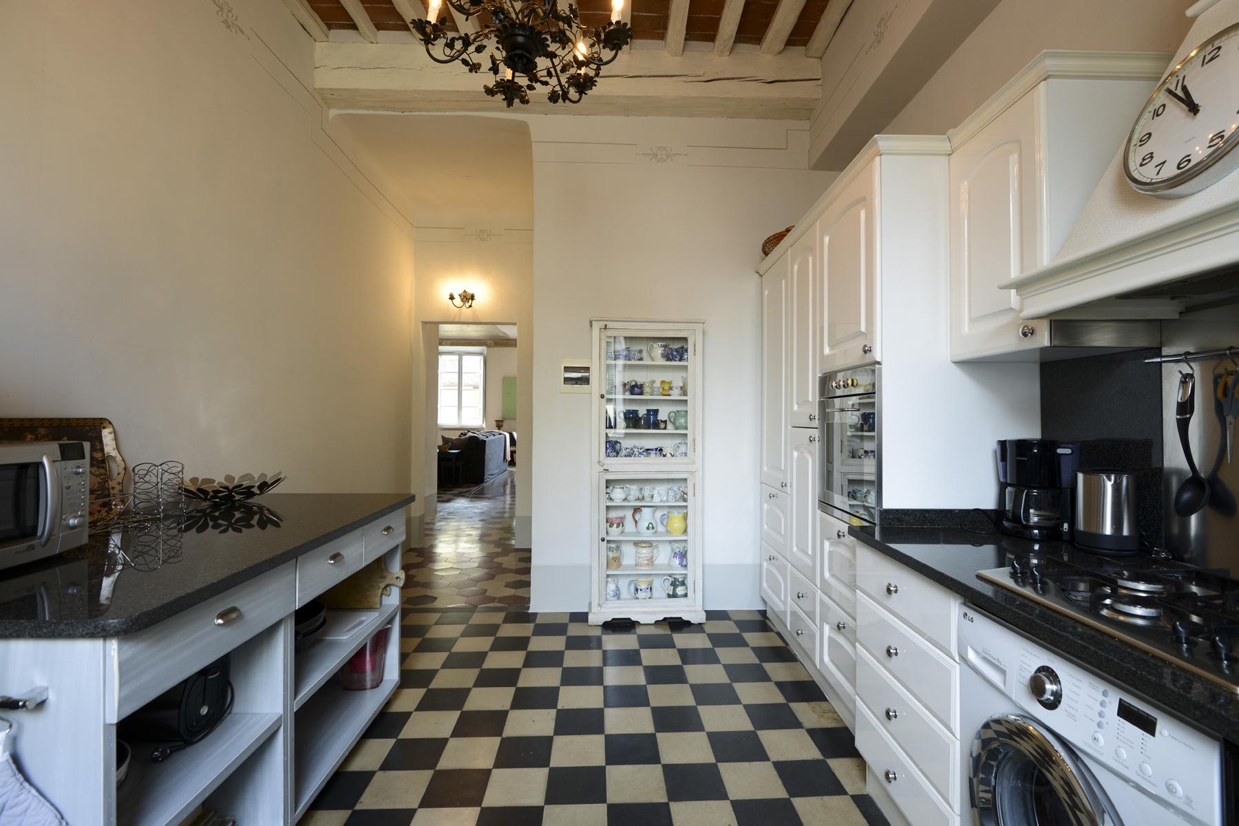 Appartamento in Vendita a Lucca: 5 locali, 200 mq - Foto 8