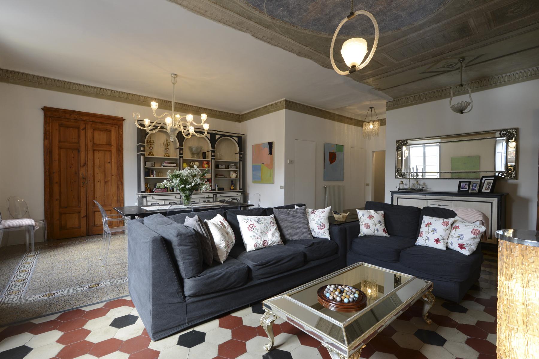 Appartamento in Vendita a Lucca Centro: 5 locali, 200 mq