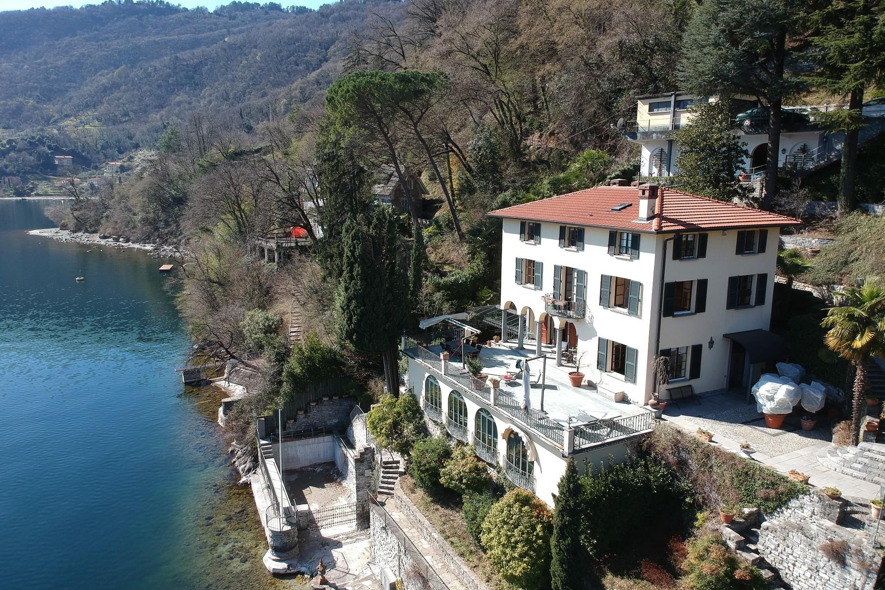 Villa in Vendita a Bellagio: 5 locali, 410 mq
