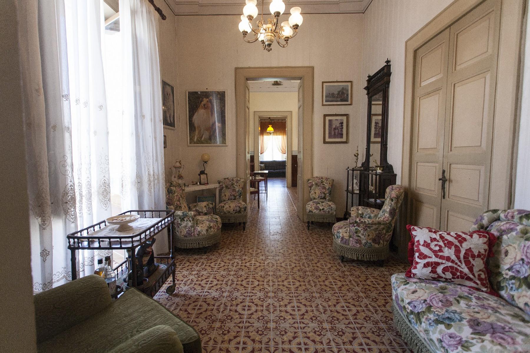 Palazzo in Vendita a Aradeo: 5 locali, 600 mq - Foto 6