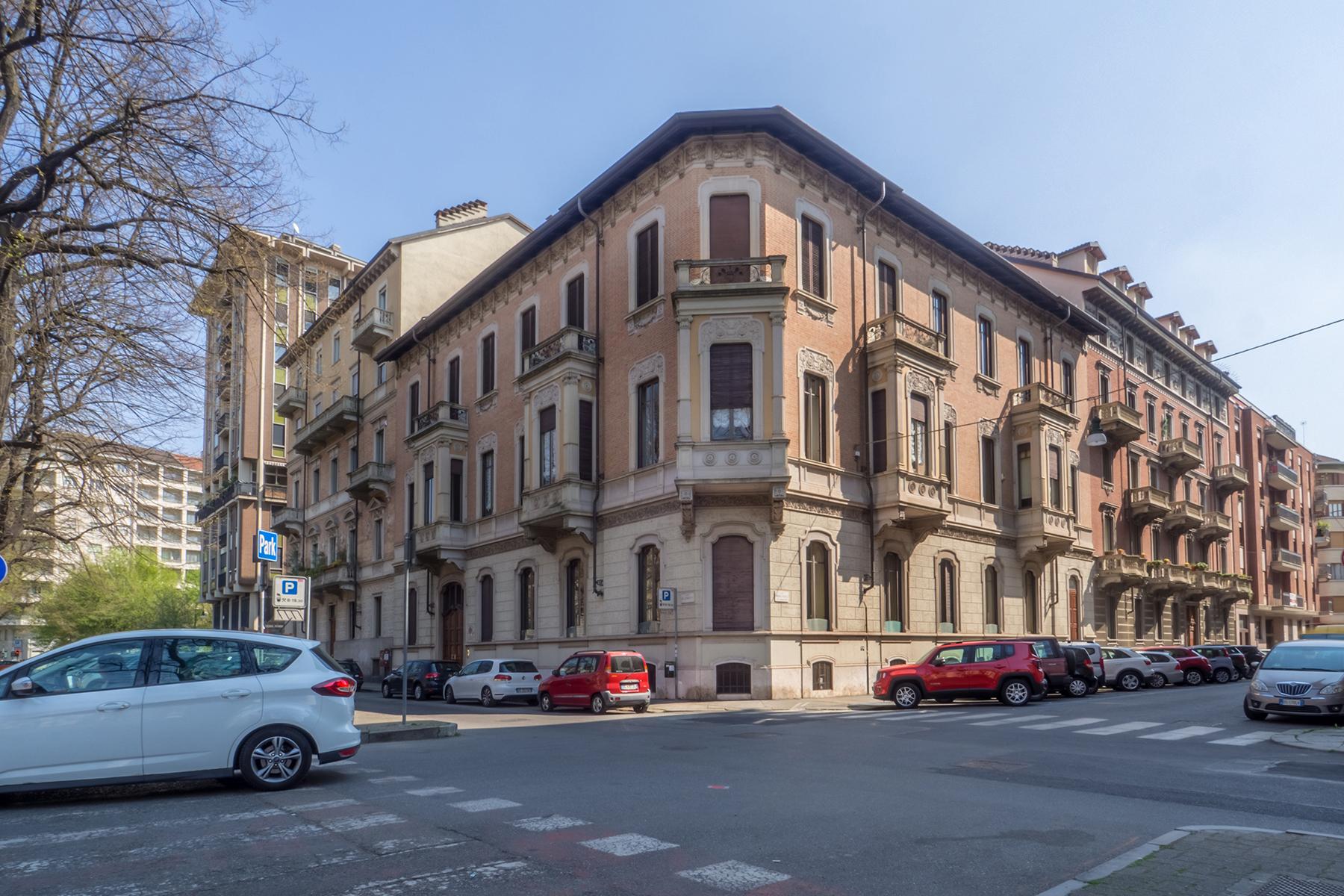 Appartamento in Vendita a Torino Centro: 5 locali, 140 mq