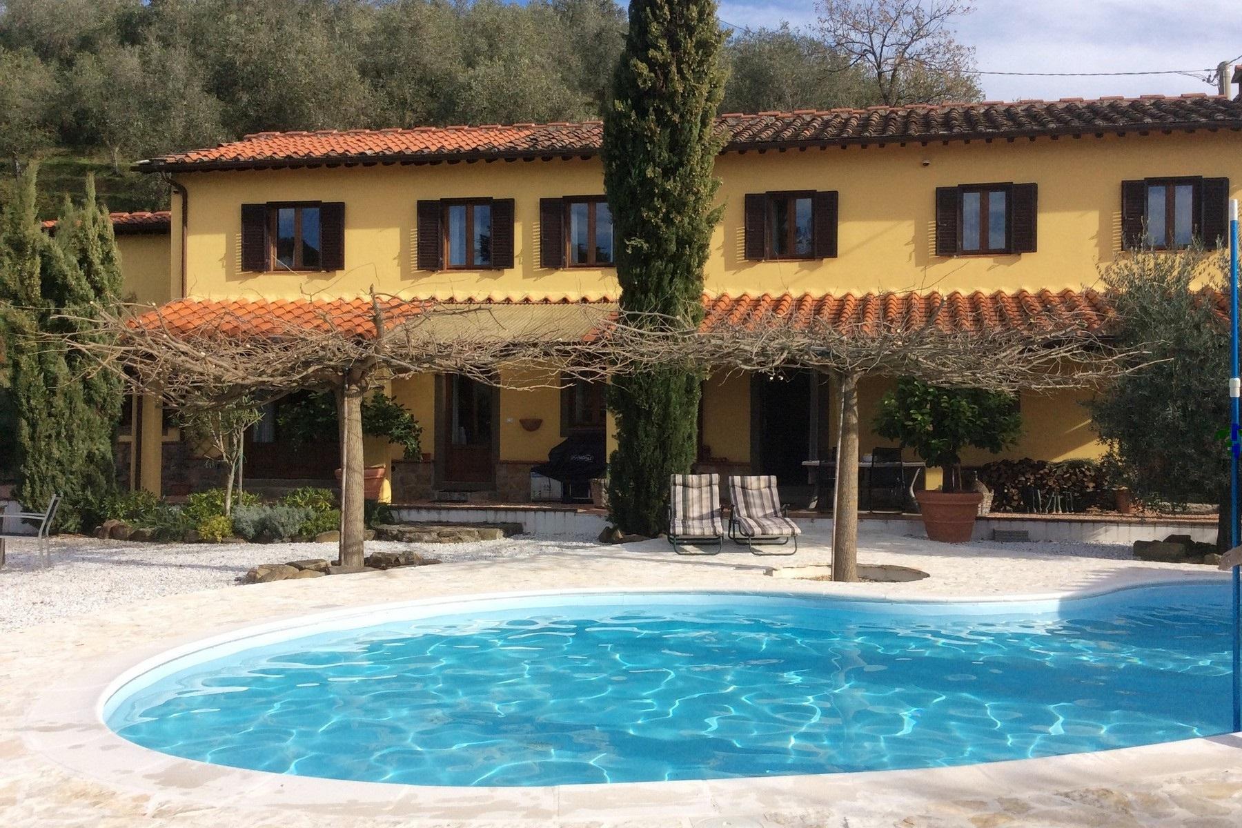 Villa in Vendita a Pescia via malocchio