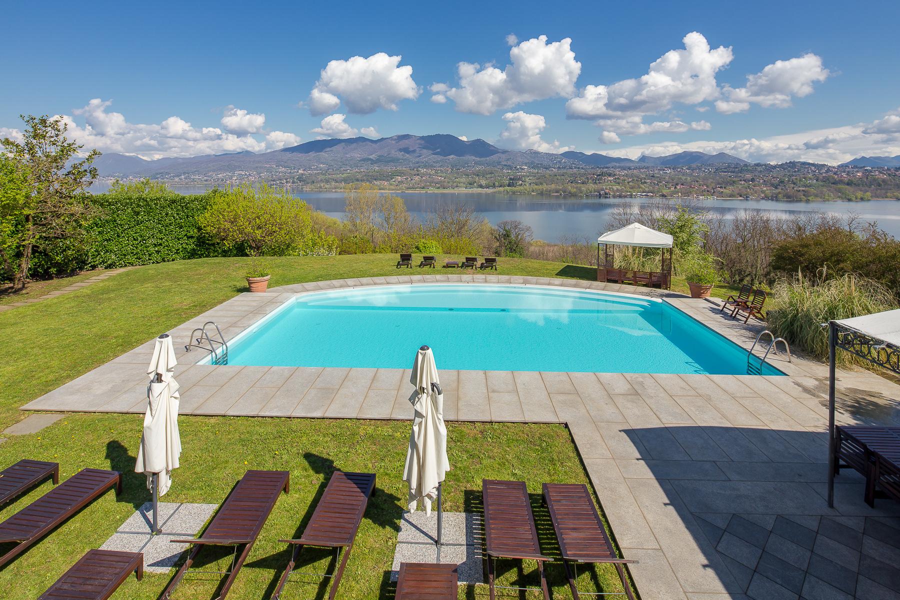 Villa in Vendita a Galliate Lombardo via della vigna d'oro