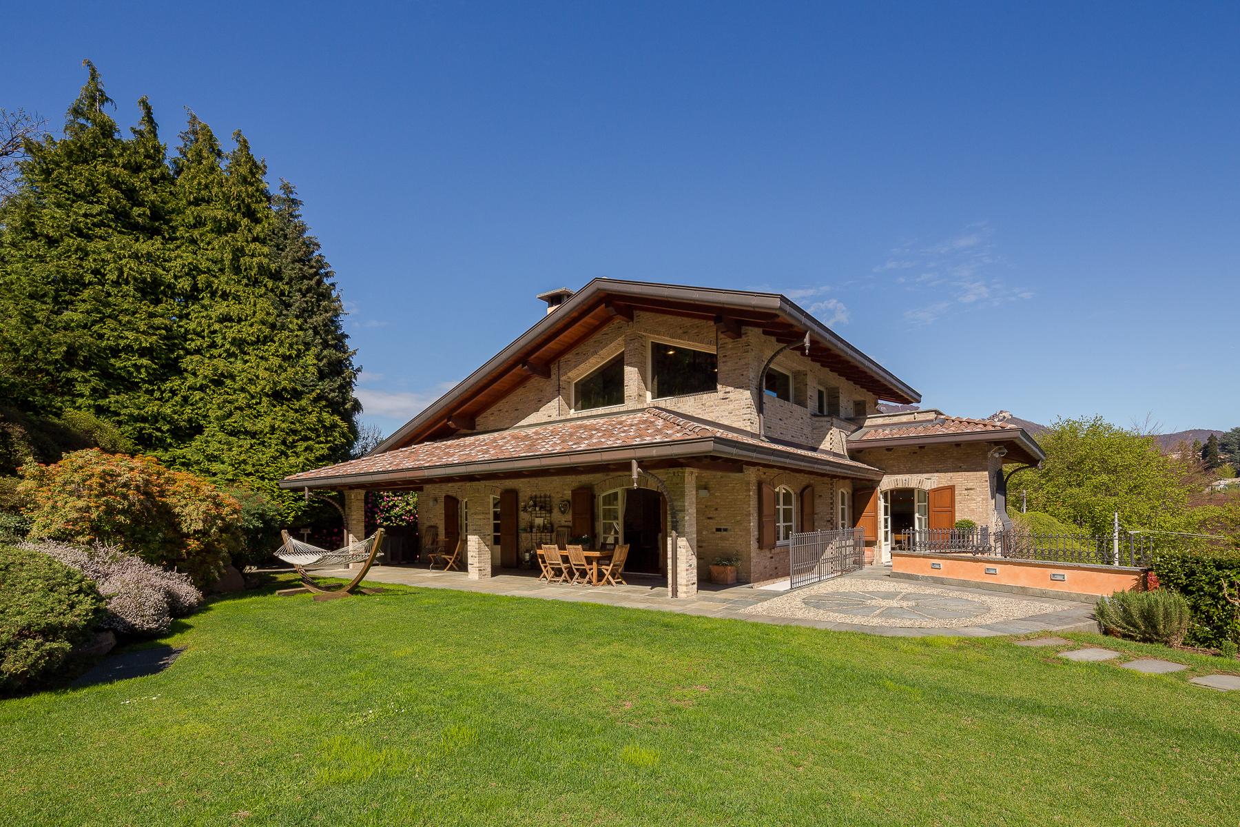 Villa in Vendita a Varese: 5 locali, 470 mq - Foto 3