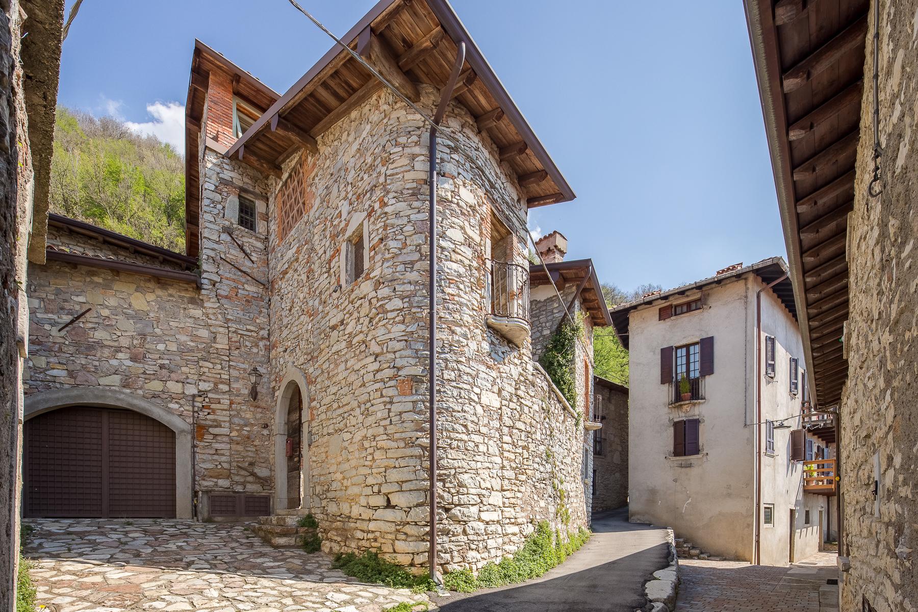 Casa indipendente in Vendita a Caprino Bergamasco: 5 locali, 500 mq - Foto 18
